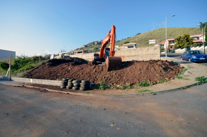038 BEGIN CONSTRUCTION
